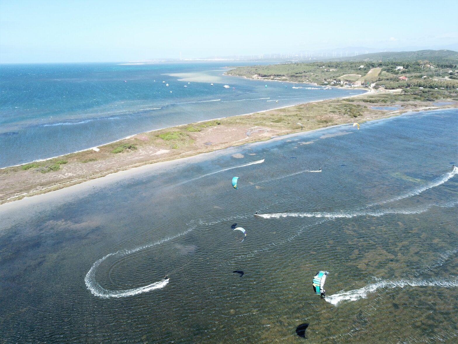 Punta Trettu, il miglior kite spot con acqua piatta e bassa perfetto per imparare il kitesurf